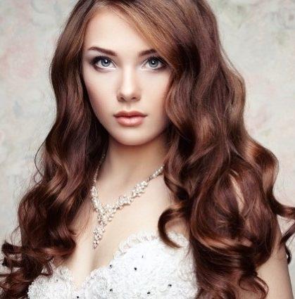 wedding hairdresser for hair styling
